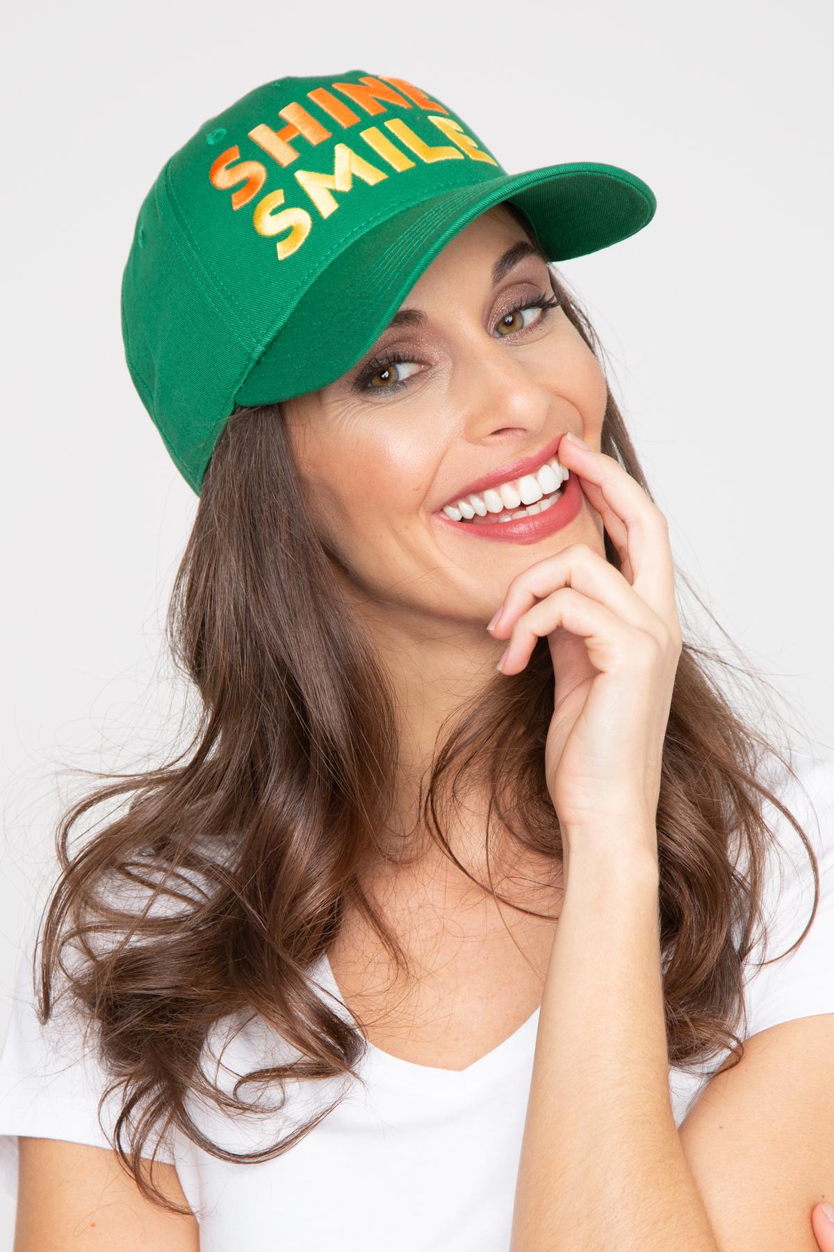 Photo de ACCESSOIRES Casquette SHINE SMILE chez French Disorder